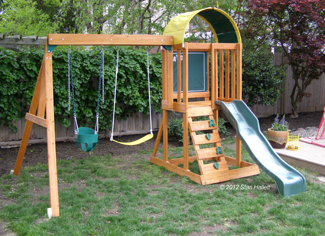 Small swing sets swing sets and swings on pinterest for Small wooden swing sets