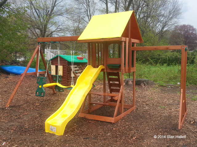 Backyard Gym Sets : We assembled and installed a Big Backyard Cedarbrook Wood Gym Set from