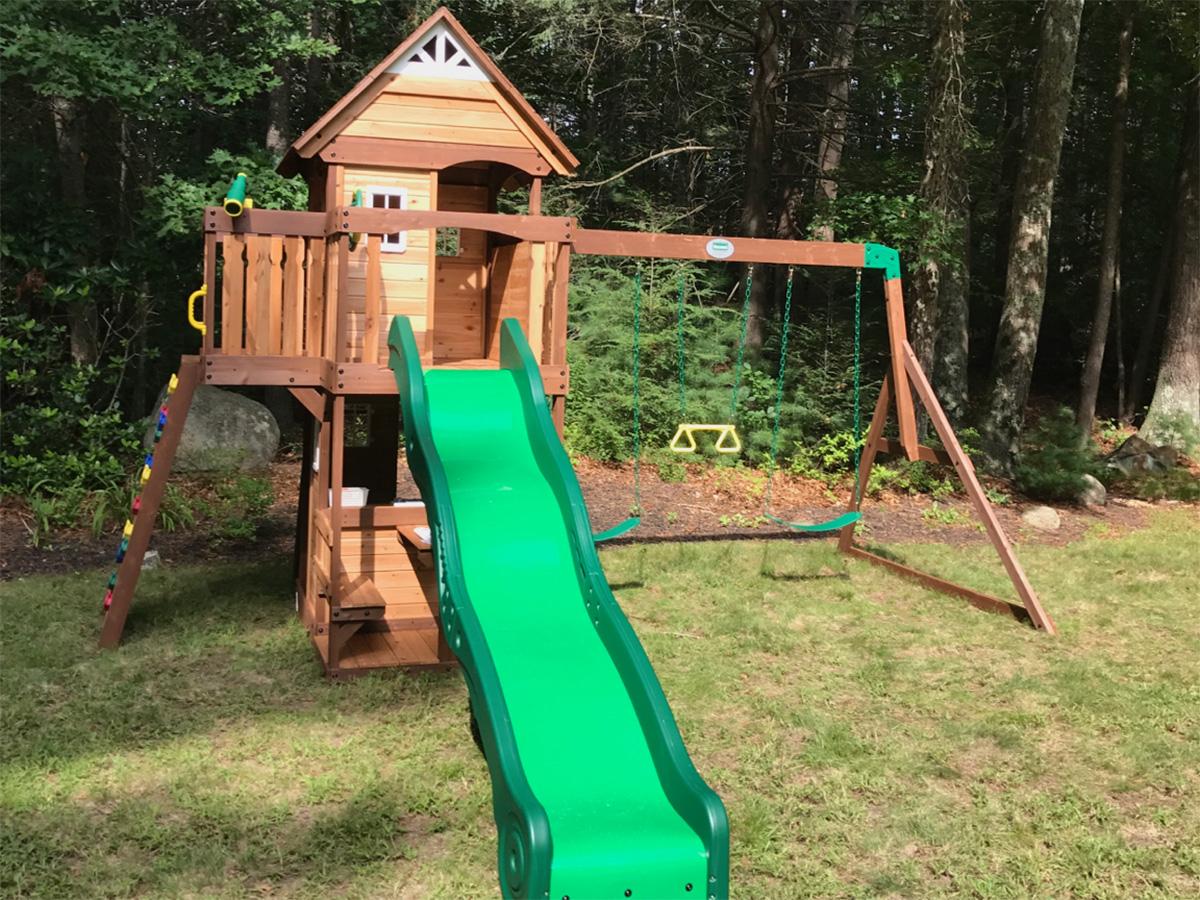 Backyard Discovery Mount Triumph Playset