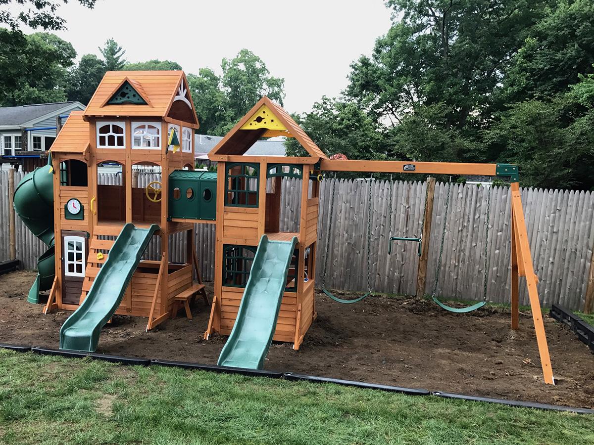 Backyard Discovery Paramount Swing Set