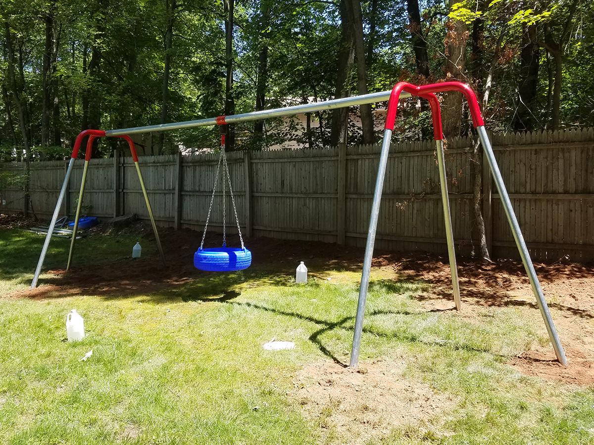 Bluegrass Playgrounds Heavy Duty Tire Swing