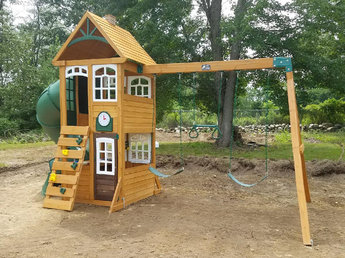 Cedar Summit Creston Lodge Playset