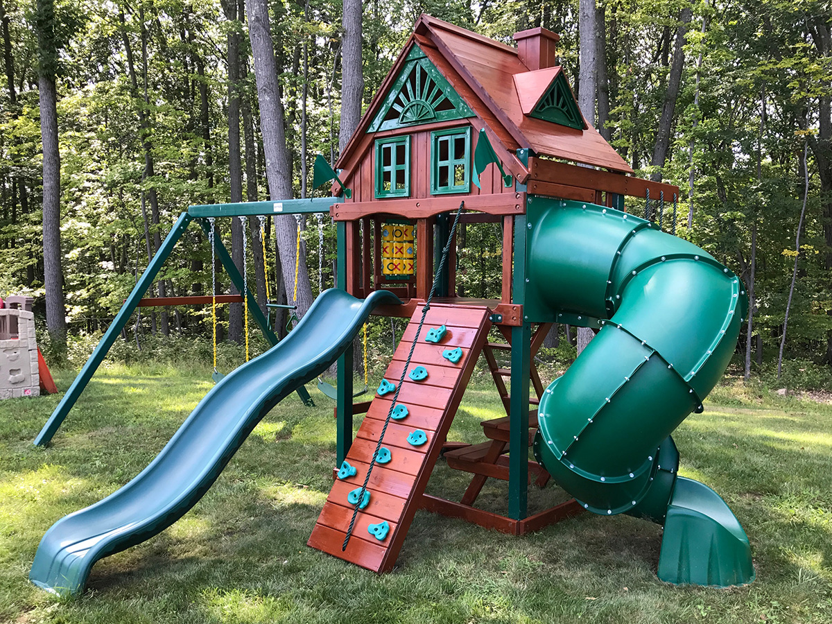 Playset Refinishing in Canton, CT